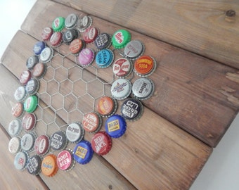 reclaimed wood / wall hanging / valentine's day / chicken wire /  wall art