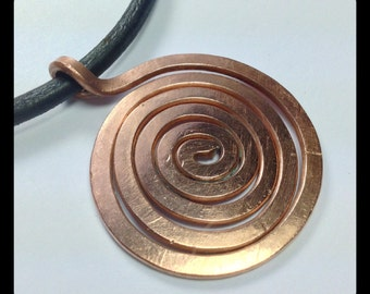 "Hammered Copper spiral necklace ""eternity"""