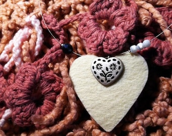 lovely necklace whitefelted heart with tirolo button & acrylic beads