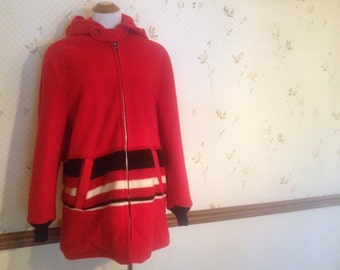 SALE! Amazing Vintage Wool Red Coat With Hood, Ital 40, 4-6