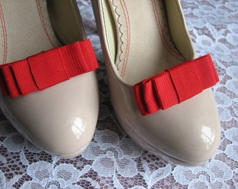 Red shoe clips Red shoe bows Red gift for her Red shoes Bridesmaids red gift Red bridal accessory Red gift Red wedding Red bridal Shoe clips