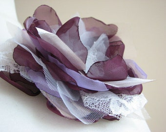 Purple lilac hair flower Ivory purple hair flower Lilac ivory hair flower Ivory purple hair clips Purple hair flower Ivory purple wedding