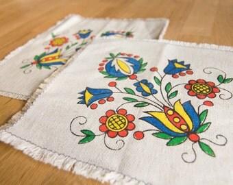 Set of 2 Scandinavian Linen Small Decorative Tablecloths