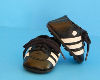 Black Soccer Shoes for 18 inch Dolls