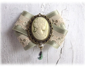 Missy Green - bow brooch with pale green Lady Cameo