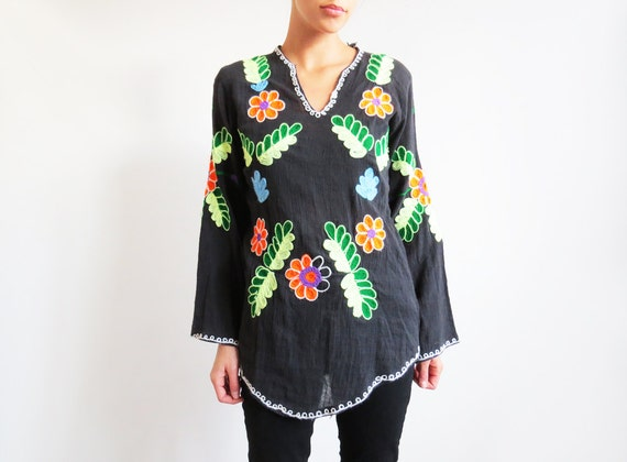 Black Embroidered Blouse // Mexican Style Bohemian Shirt