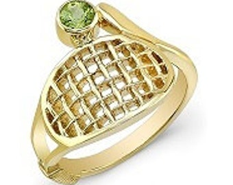 14k Gold Tennis Ring with Peridot Stone.