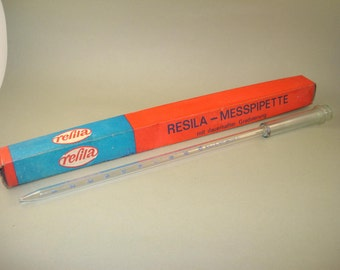 Vintage old big and long Germany glass syringe REFILA -  with box for medical laboratory