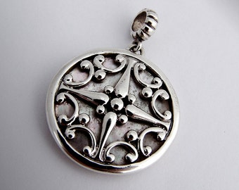 Wind Rose Pendant Sterling Silver Mother of Pearl