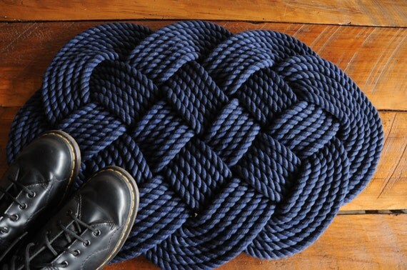 Navy bath mat rope rug navy cotton rope rug nautical for Rope bath mat