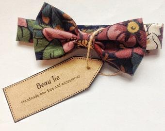 Baby boys bow tie, baby bow tie, floral boys bow tie, floral baby bow tie, cotton bow tie