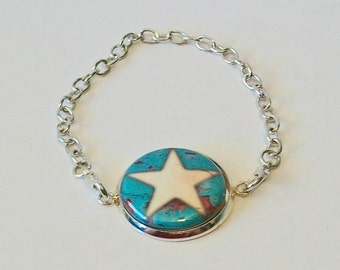 Turquoise and White Distressed Western Look Star Silver Chain Fashion Bracelet