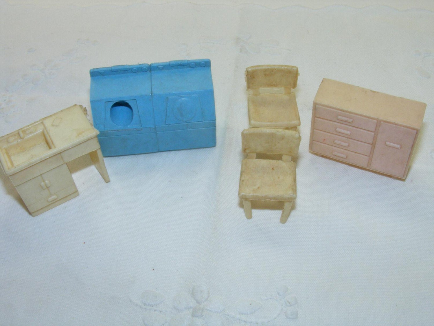 1960s Vintage Toy Dollhouse Furniture Plastic Superior T
