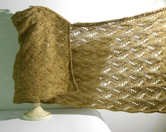 knit elegant shawl, hand knitted shawl in golden yarn, knitted shrug stole, knit shawl in wool and plumet by cosediisa