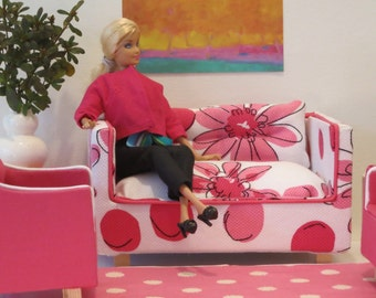 Barbie Pink and White Daisy Patterned Sofa