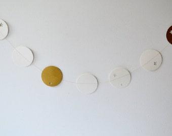 Paper Dots Garland