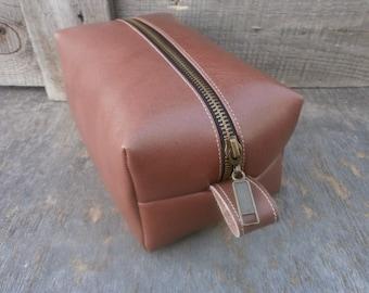 Toiletry Bag, Leather Dopp Kit, Shaving kit, Free Personalized, Handmade Dopp Kit, Dopp Bag, Brown