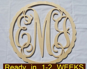 Various sizes Scalloped Border Circle Vine Wooden Monogram - Wedding, Nursery, Home, Couples Initials, Wedding Decor, Guestbook, Wooden Sign