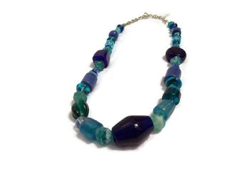 B11: Glass-Beaded Necklace with Blue & Turquoise Beads
