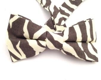 Zebra print bow tie, adjustable bow tie, Father's Day gift, gray print bow tie, child bow tie, white and gray tie, animal print bow tie,