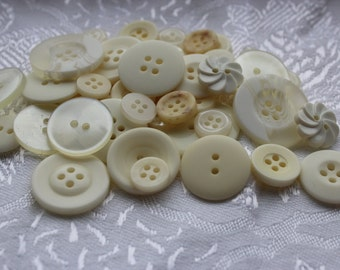 Button Assortment - Cream - 30g - Mix for Card Making, Scrap-booking, Crafting, Decorations