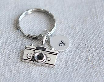 Camera keychain, Camera Key ring, Monogram Initial keychain, Personalized Keychain, Photographer gift, Camera keychain gift, Gift for Men