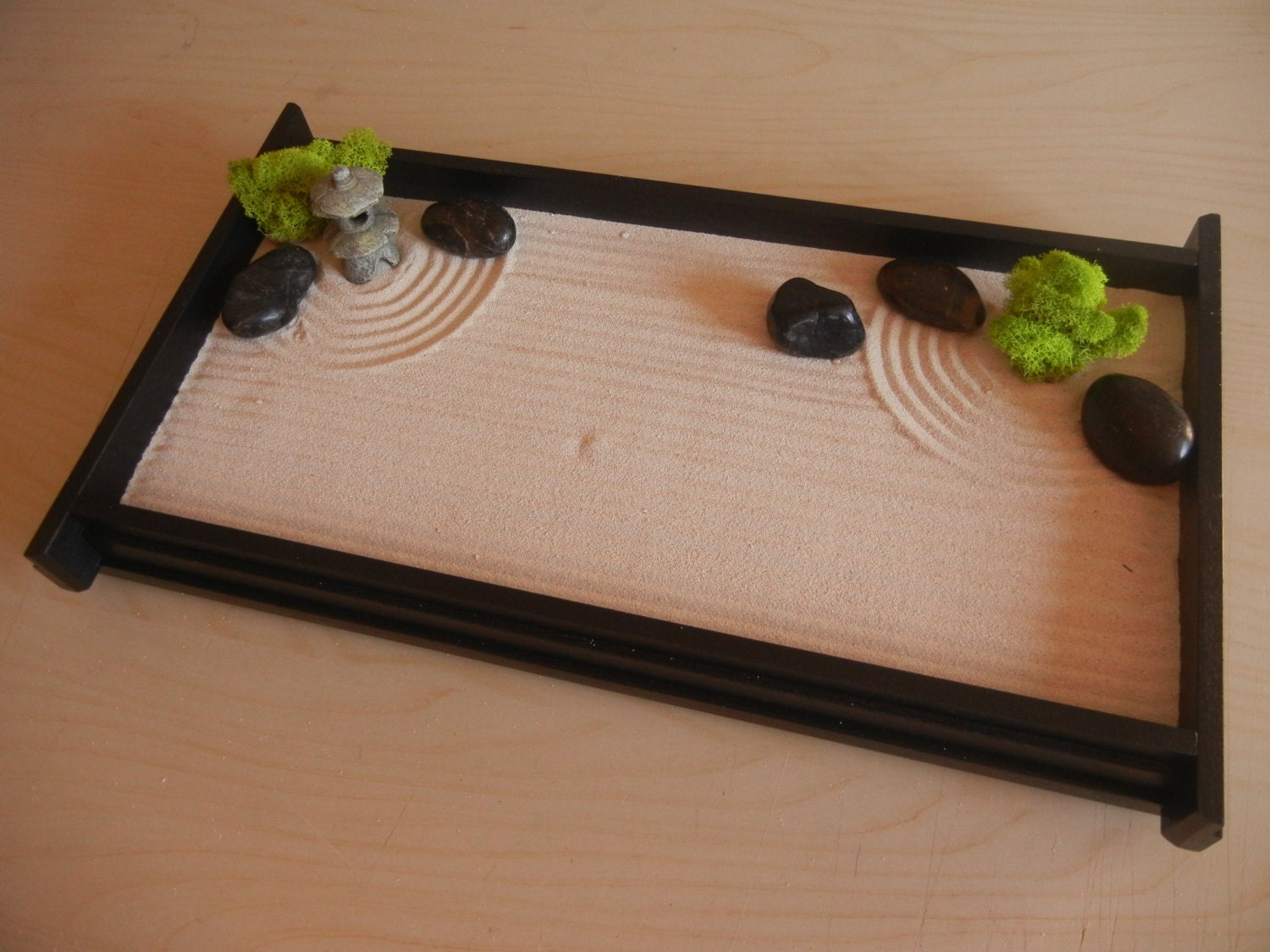 L03p large desk or table top zen garden with mini pagoda for Table zen garden