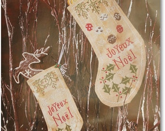 "Chaussettes de Noel ""Holly""  Cross Stitch Pattern in PDF format"