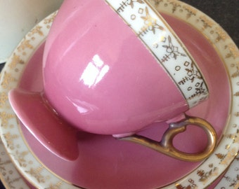 Vintage Shabby Chic Dusky Pink And Gold Gilt Teacup Trio