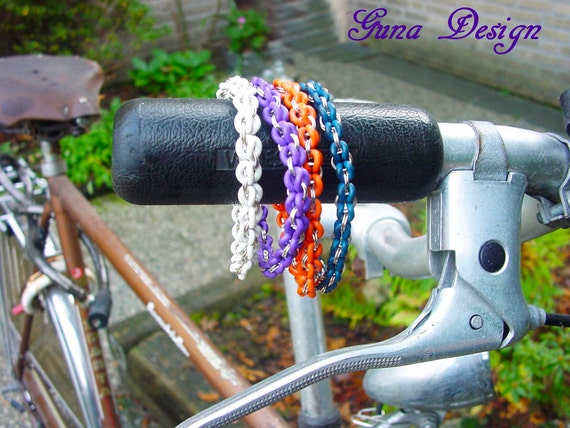 TUTORIAL- Industrial Friendships Bracelet from Rubber Rings