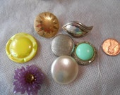 Set of 7 Vintage 50's/60's Buttons/Clips/Embellishments/Cabochons/Findings/