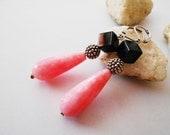 Paris pink earrings. Brazilian agate pink stone earrings. Long pink and black earrings. Pink formal earrings. Elegant pink earrings.