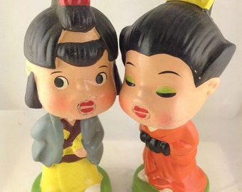 Kissing BOBBLE HEADS Kiss Me Kids Japanese Magnetic VINTAGE