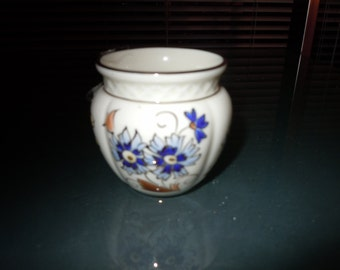 Vintage Zsolnay Hungary 2 and half inch hand painted porcilain vessel