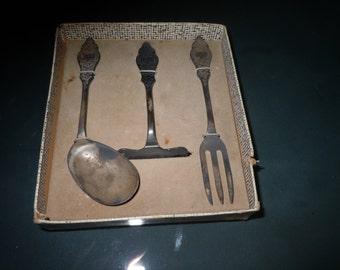 Early 1900s Baby utensil set