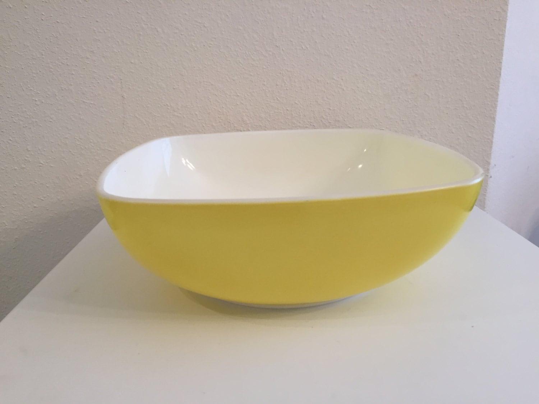 Vintage Pyrex Square Yellow Hostess Bowl 515B or 015 1 1/2