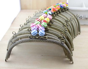 1 PCS, 21cm / 8.5 inch Curved Striped Bubble Beaded Bronze / Brass Kiss Clasp Lock Purse Frame with Two Side Holes for Coin Purse, C29