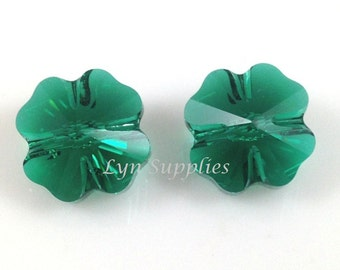 5752 EMERALD 12mm Swarovski Crystal Bead Clover Leaf 4 pieces - Rare!
