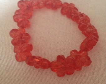Red flower bead bangle