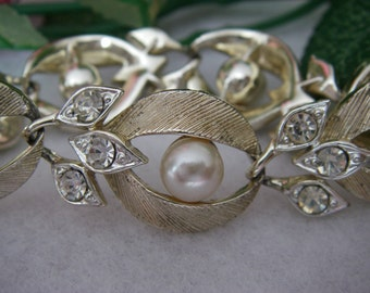 Bracelet Vintage Lisner Gold and Silver Tone Faux Pearl and Rhinestone Bracelet