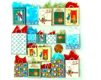 Christmas Holiday gift bags 18 dollhouse miniatures 1/12 scale.