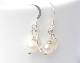 Bridesmaid Earrings - Pearl drop earrings - Silver leaf earrings - sterling silver leaf - bridesmaids gift