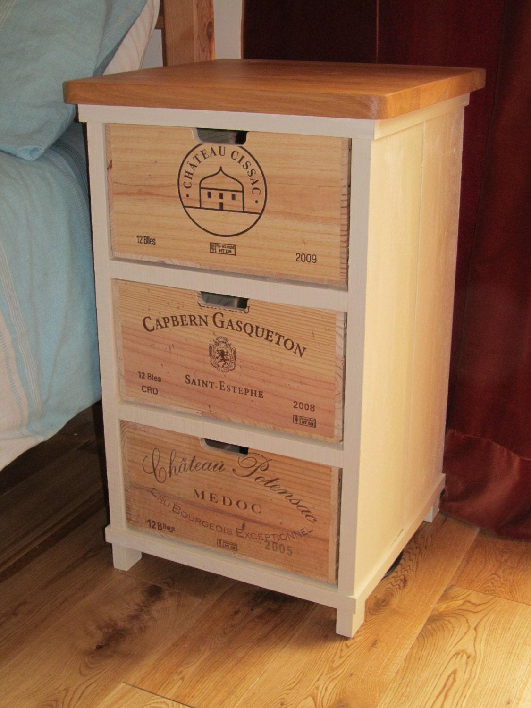 Table de chevet peinte avec 3 tiroirs de caisse de par - Caisse de vin vide gratuite ...