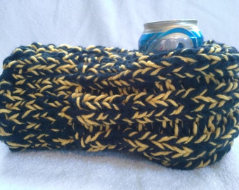 Black and Yellow Drink Mitten