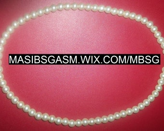 White Faux Chunky Pearl Necklace