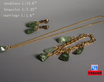 Vintage Free Form Jade Gold Tone Necklace Bracelet And Earrings Set