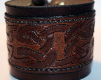 Brown Leather Cuff Bracelet! Nice gift for women! Great handmade leather bracelet! Bracelet with Celtic ornament! Hight quality item!