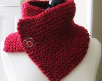 Chunky neckwarmer cowl -  lipstick red