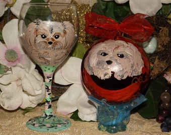 Pet portrait 20 oz wine glass & Christmas ornament, bulb, handpainted, custom Cat and dog