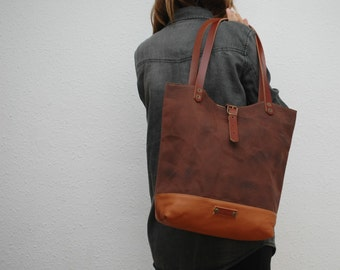 Tote bag waxed canvas,chocolate color, leather base with  handles and closures in leather